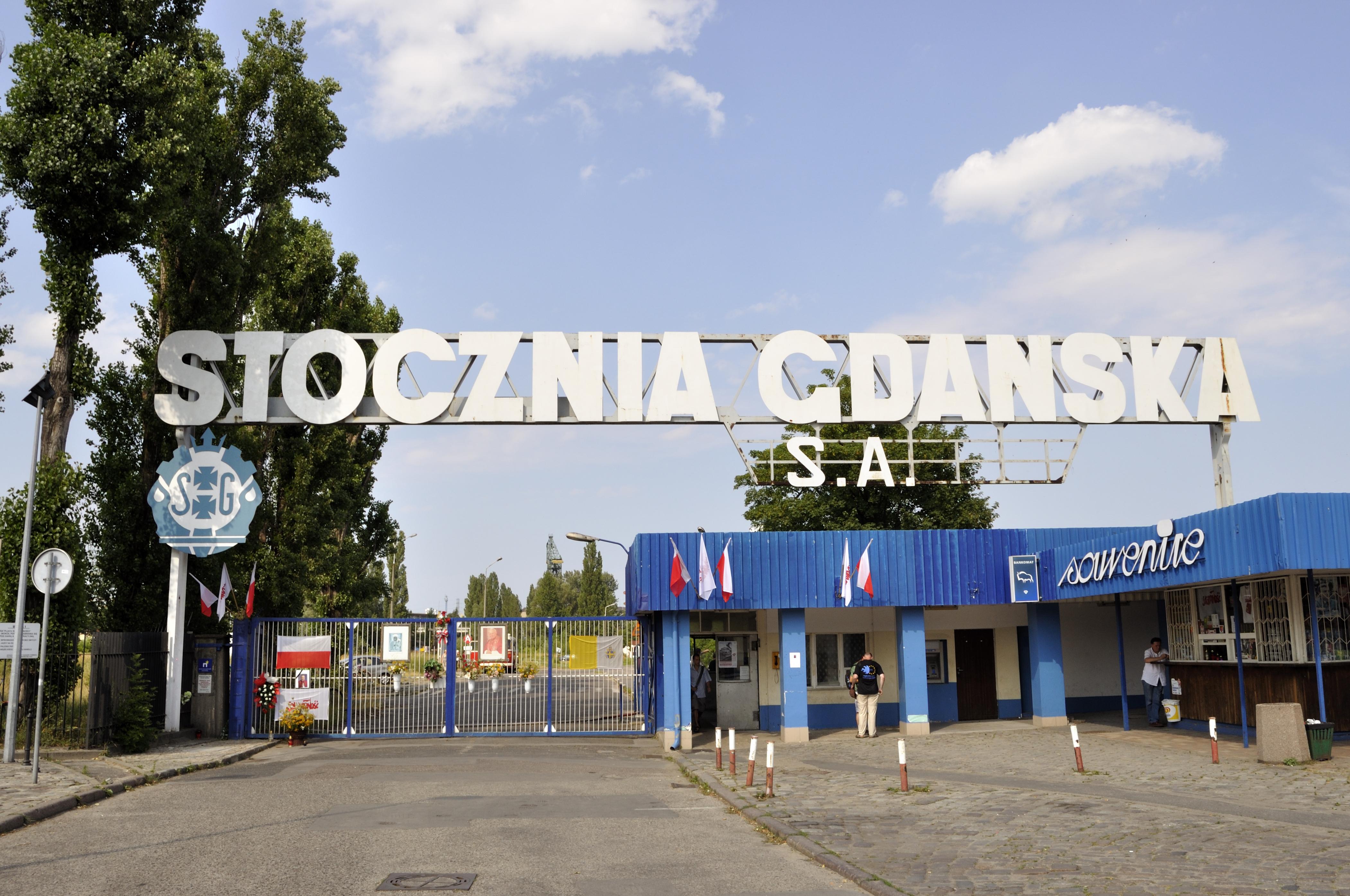 Stocznia_Gdańska_S.A,_historic_gate