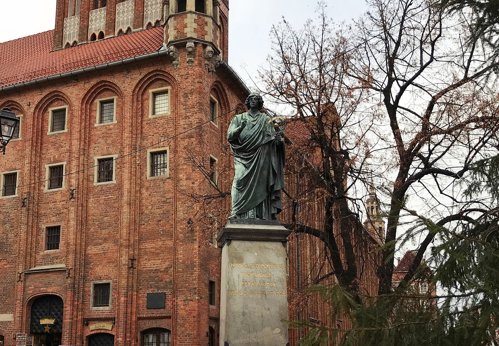 Mikołaj Kopernik - ten co wstrzymał Słońce, a ruszył Ziemię.